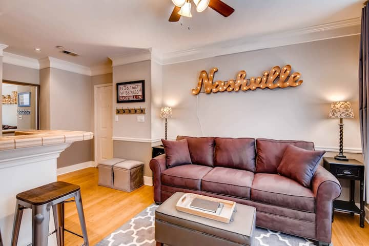 30 day+ Rental in the Heart of Downtown Nashville
