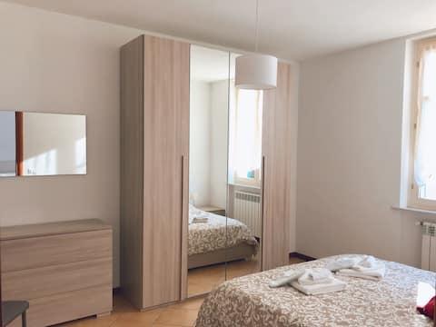 """Coccole nel borgo"" deluxe bedroom + shower"