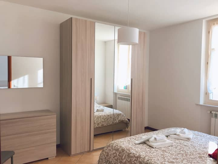 """Coccole nel borgo"" deluxe bedroom + shower"