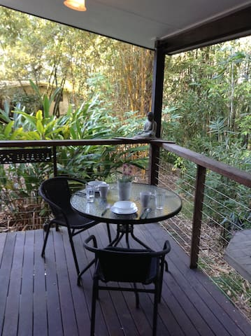 Bush Garden Studio, (& 15min to beach) - Rosemount