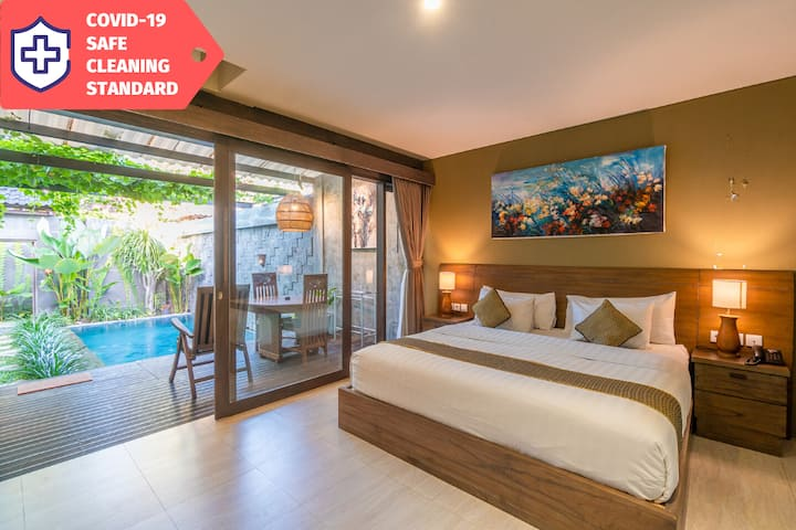 Private Villa in Canggu Center with Wifi & Kitchen