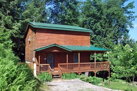 Rustic Retreat Cabins - Cabin 102