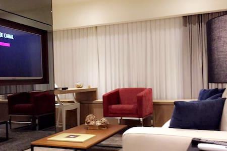 Loft moderno com uma vista incrível