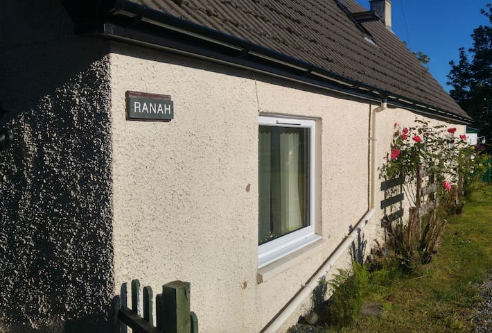 1 Double en-suite room on NC 500 in The Highlands