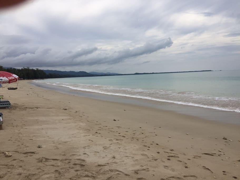 Bang Sak Beach just a 5 minute walk from us.