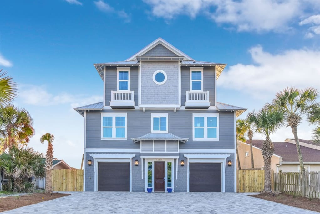 Gorgeous 7 bedroom, 7.5 bathroom `private` home. Located on the beautiful beaches of Panama City Beach.