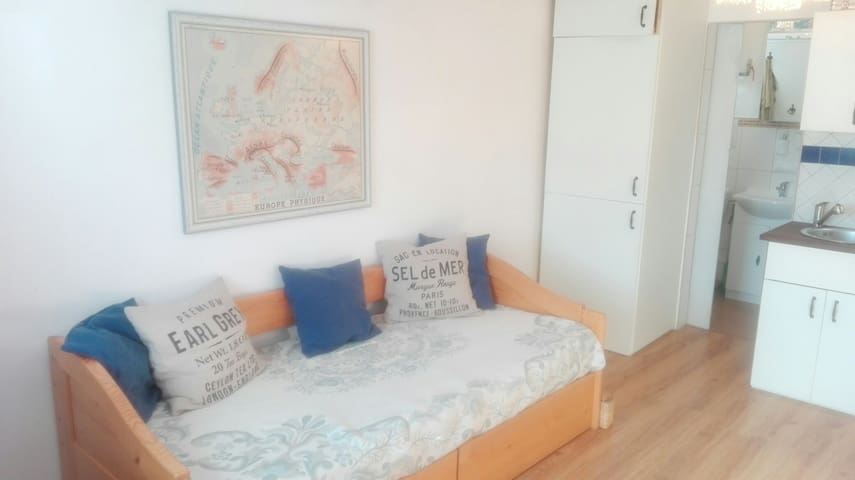 Cosy studio, great value for money! - Bratislava - Apartamento