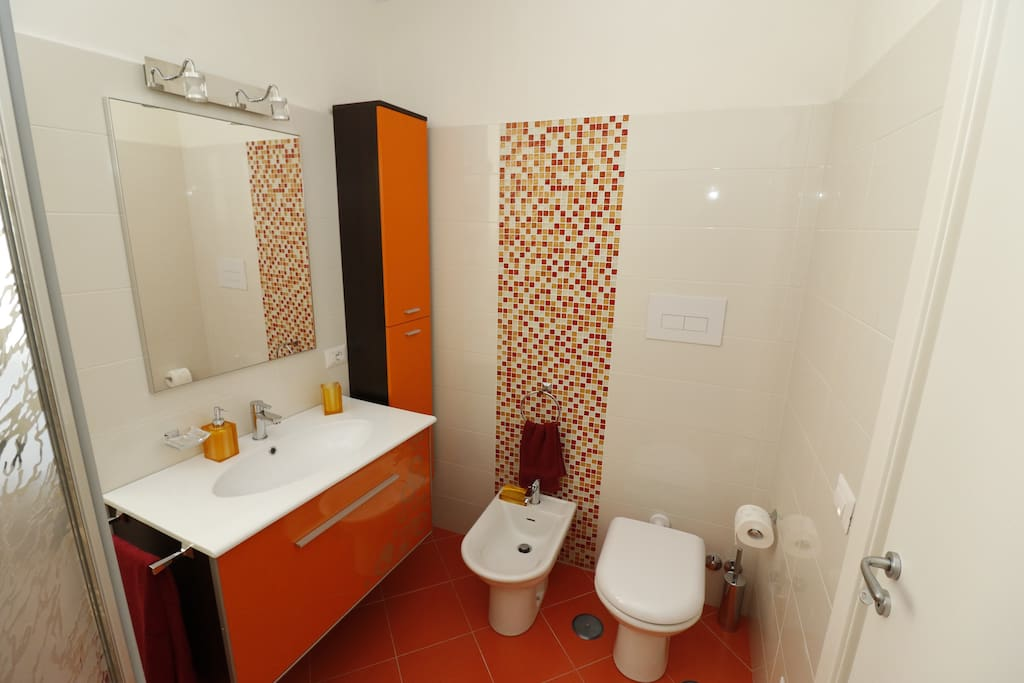 large and comfortable bathroom