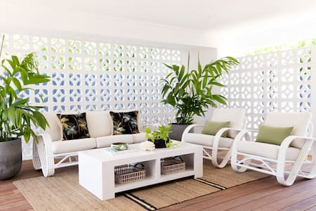 Beach Cottage 4220 - Burleigh Waters