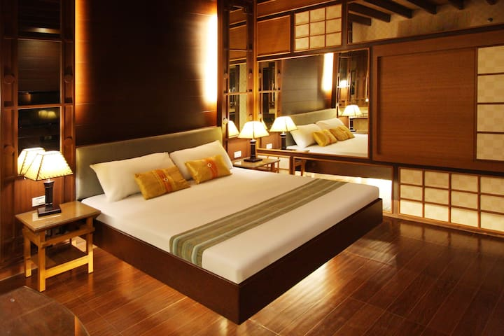 Thematic Rooms at Victoria Court Malate