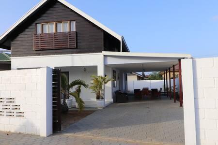 Luxe villa Bluebird with private pool