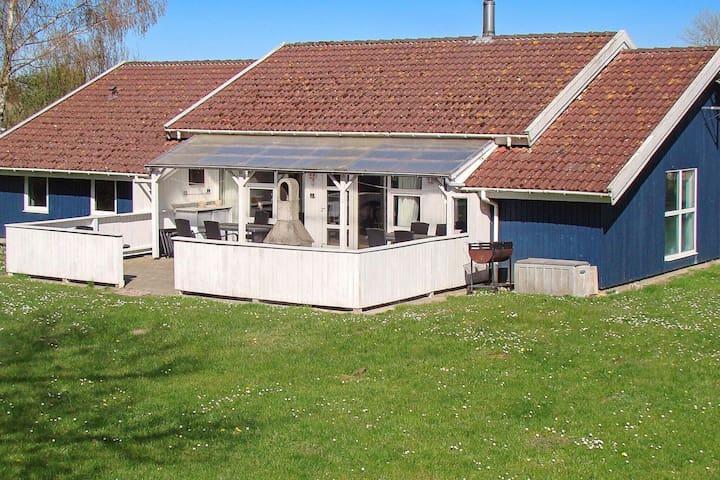 Maison de vacances de prestige à Nordborg avec piscine