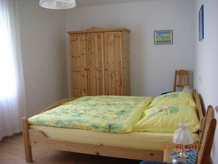Haus Angelika, (Bad Schönborn), Ferienwohnung Hortensie, 70qm, 1 Schlafzimmer, 1 Wohnzimmer max. 3 Personen