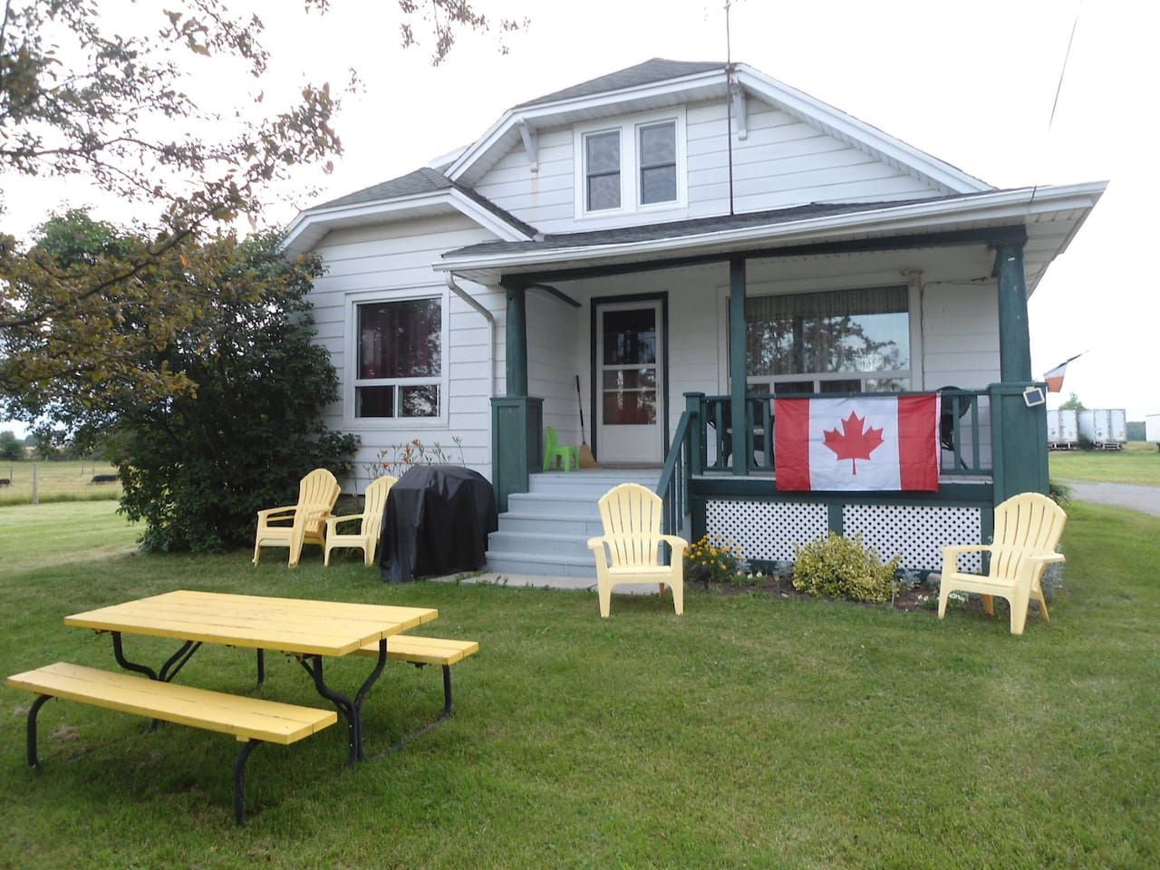 HANNA Farmhouse, Port Maitland, ON. Canada.  $150.00 per night or $875.00 per week during July and August; $125 per night or $675.00 per week during May/June and September/October.