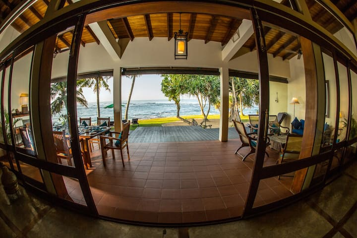 South Point Villa - on the beach, Exclusive, Pool