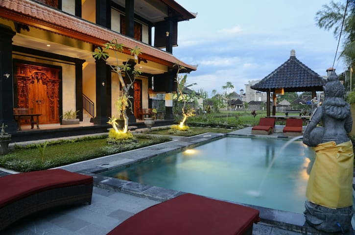 Balinese Iconic Room -SURAWAN Bisma - Ubud - Apartment