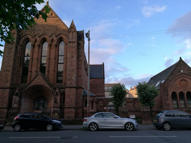 Beaut Gothic Church Conversion in ❤ of Strathbungo