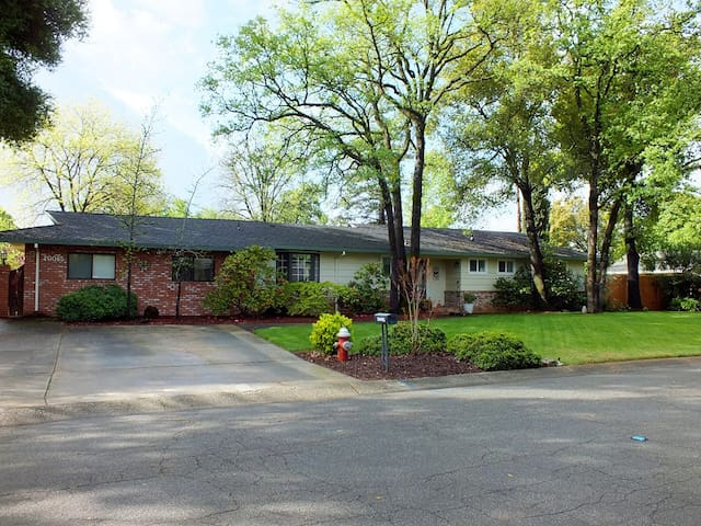 Wooded Acres Rancher