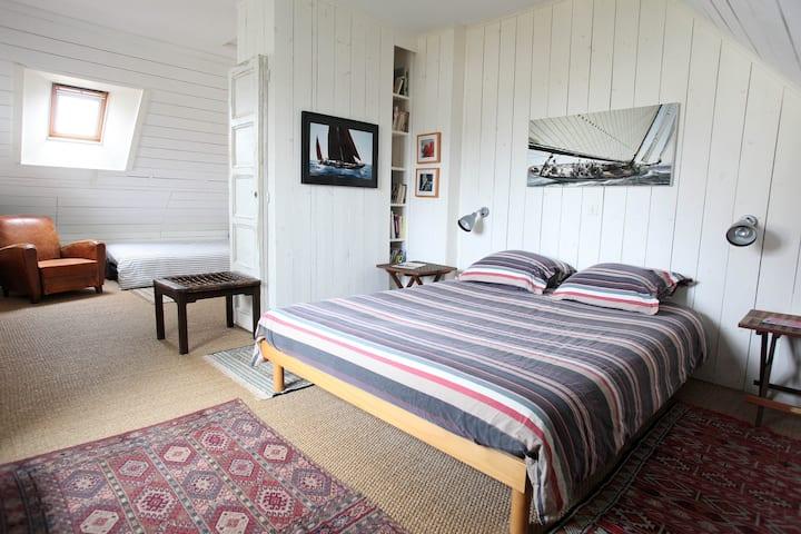 """Chambre d'Hôtes """"Ouest"""" en Baie de Quiberon."""