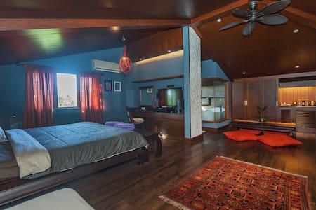 TIRTA SPA LUXURY HOME STAY  - Malay - Hus