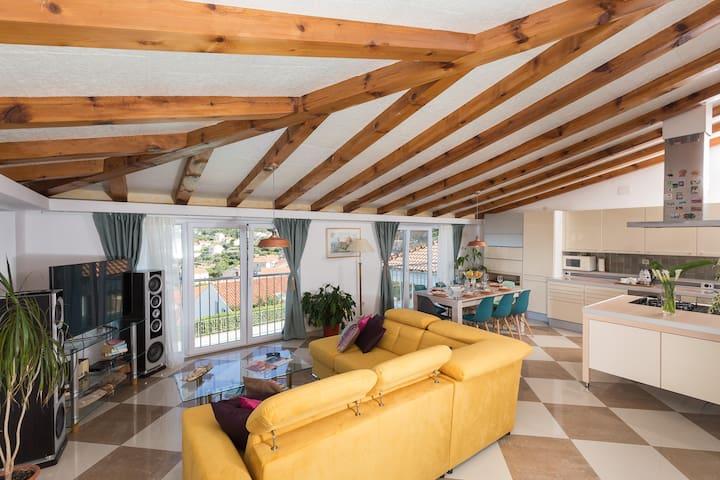 Carol Royal - Comfort 2 Bedroom Apartment