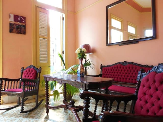 Room in beautiful colonial flat