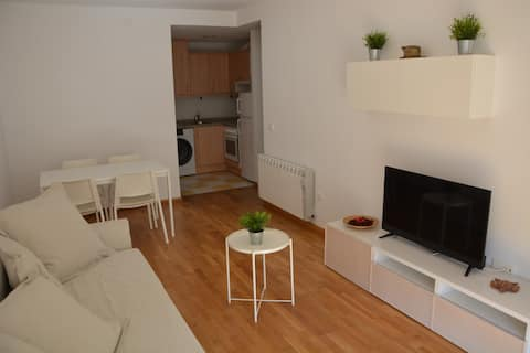 New apartment with a swimming pool in an excellent area.