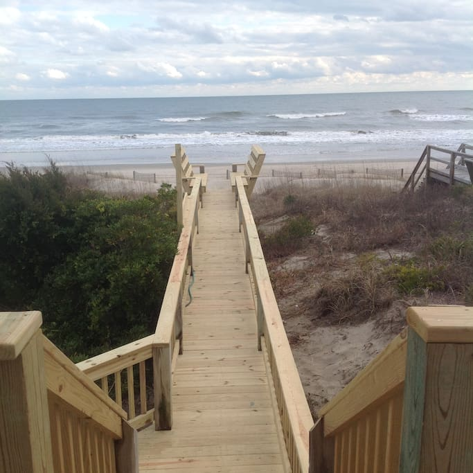 Gorgeous ocean views and a brand new private deck and walkway to the beach.