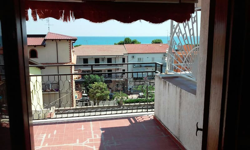 Mansarda con vista mare - Marina - Appartement