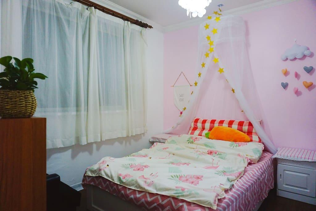 粉可爱卧室