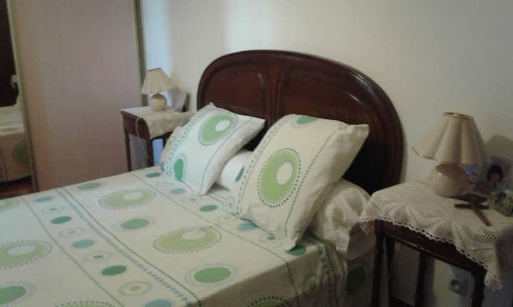 Cuers : chambre 2 dans villa avec jardin