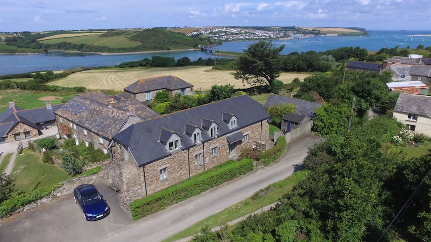 Padstow Barn Conversion with Sea Views