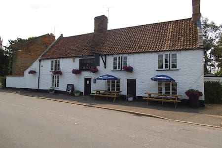 The George & Dragon Public house  - West Dereham - Apartmen