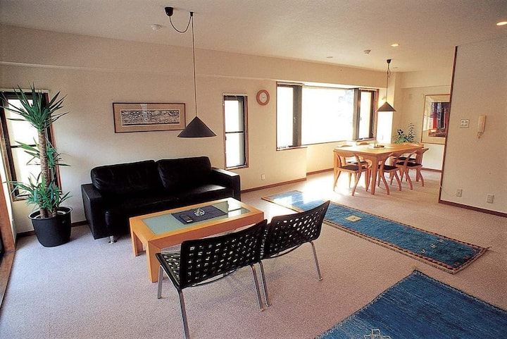 【5 min. Walk from Arimaonsen Station】5 LDK Private Apartment!(up to 10 people)