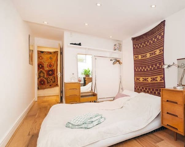 DBL BEDROOM+BATHROOM NW1 KINGS CROSS REGENTS PARK