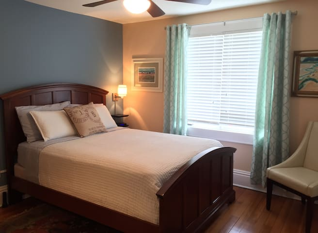 Three Oaks Inn, Sunset Suite - Three Oaks - Bed & Breakfast