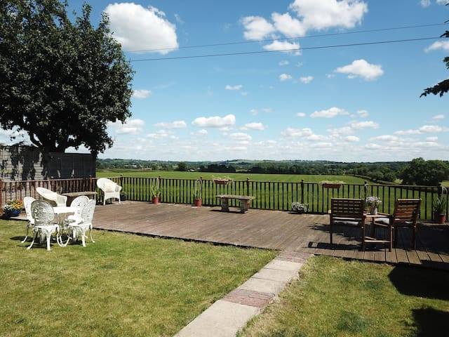 Detached open plan bungalow with stunning views