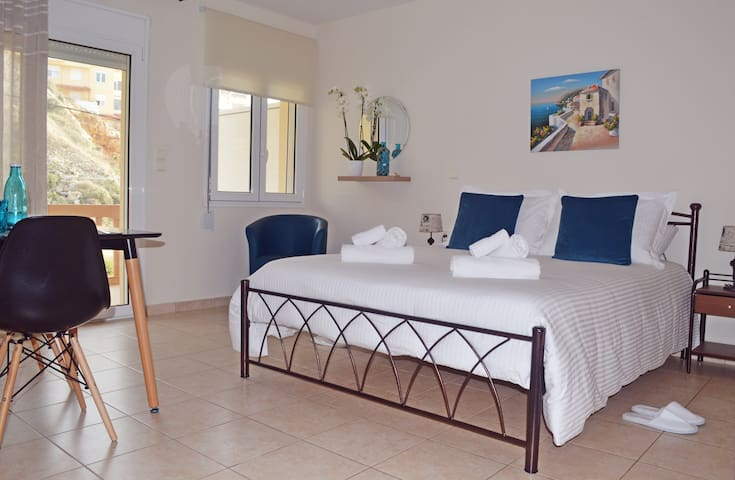 Koumpe Blue Seaside Lovely Studio - Rethymno - Daire