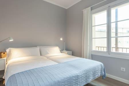 Double bedroom,bathroom, A /C, wifi - Apartamento