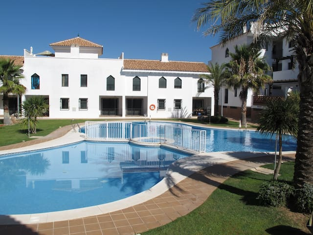 Apartment with pool in Granada - Iznalloz - Apartment