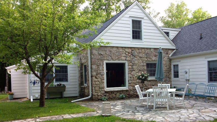 Hollis House - Ephraim - Talo
