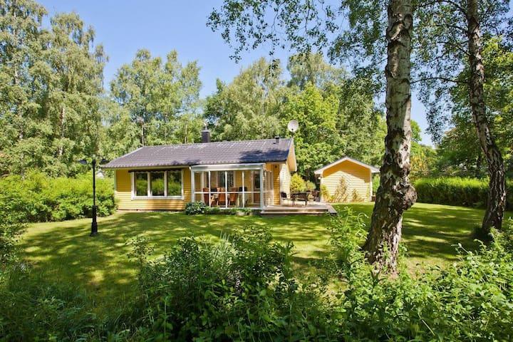 Härlig stuga i Ystads Sandskogen - Ystad