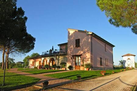 Tra Umbria e Toscana apt 4 pax - Ceraso