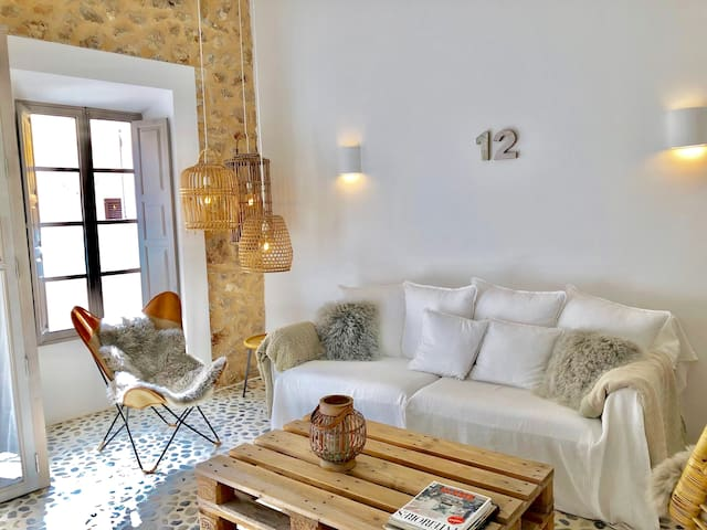 "Boutique-Townhouse ""No. 12"" ab Mai 2020 mit Pool !"