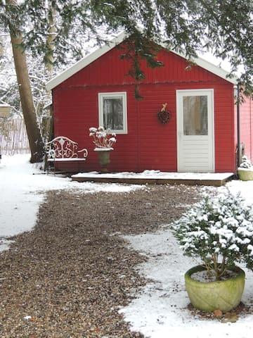 Red Cottage Lodge Accomodation near Utrecht - De Bilt - Alojamento ecológico