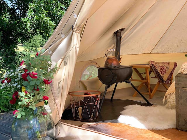 Glamping - Oven, Wifi, King Size Bed