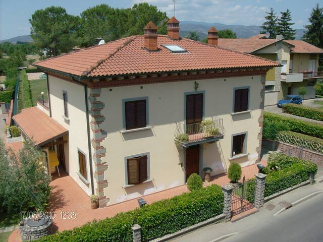 Tuscany Italian Homestay. - อาเรซโซ่