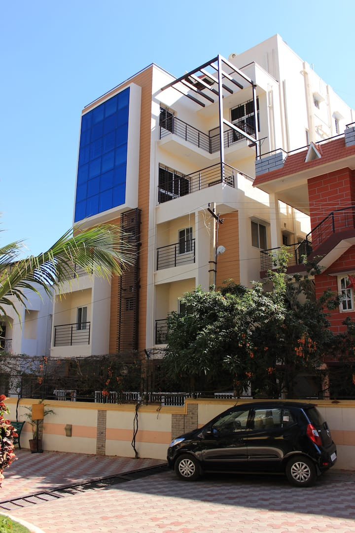 Private furnished AC room close to Marathahalli
