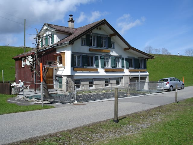 6 Bett in House - Herisau - Hus