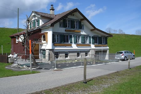 6 Bett in House - Herisau